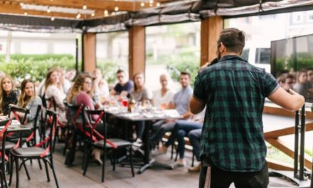 5 tehnici de baza ale limbajului nonverbal in public