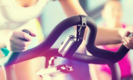 Beneficiile si muschii pe care ii lucrezi in timpul antrenamentelor cu o bicicleta fitness