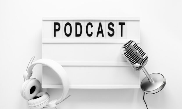 Top 10 podcast-uri despre marketing pe retele sociale pe care ar trebui sa le asculti