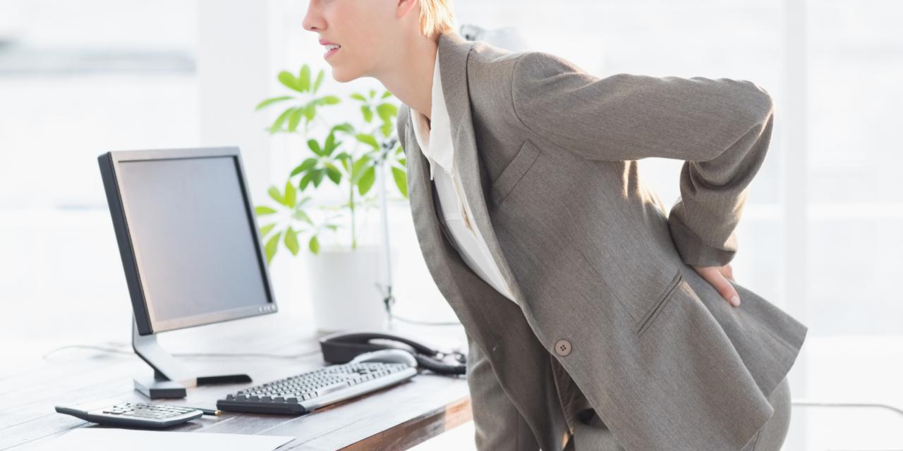25 de exercitii de detensionare a muschilor atunci cand lucrezi de la birou